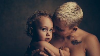 Photo of Dragă mamă, pentru cine te dezbraci?