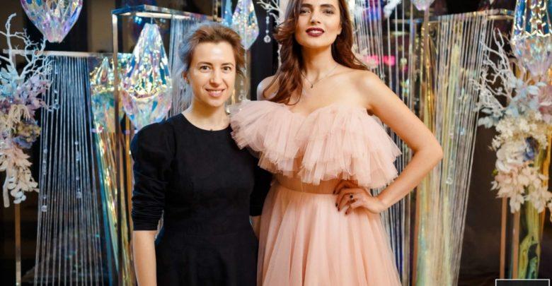 """Photo of Nu poți fugi de propriul talent. Noua mea descoperire, fabuloasă, are un nume – Anastasia Crețu – creatoarea rochiilor """"De Basme"""""""