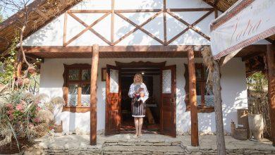 Photo of Elena Lazarev ne așteaptă la muzeul ei din Vorniceni. Un exponat vechi este prosopul din 1908, păstrat de la cununia bunicii