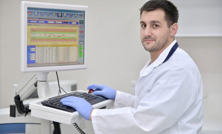 """Photo of După sticlă – Toader Chetroșanu. """"Toți ne vom îmbolnăvi de Coronavirus. Întrebarea e dacă ne îmbolnăvim a doua oară și cât de grave vor fi complicațiile"""""""