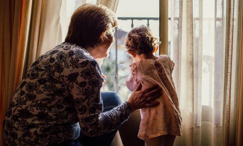 """Photo of """"Tare îmi este dor de nepoți"""". Dar de proprii copii?"""