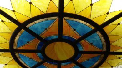 Photo of În Evul Mediu – în biserici. Astăzi – în Parlamentul Republicii Moldova. Vorbim despre vitralii