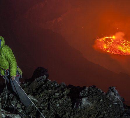 Photo of Femeia care a coborât în craterul unui vulcan activ din Congo vine la Chișinău