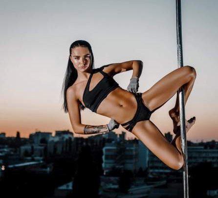 """Photo of Modelul Cristina Scarlevschi: """"Colegii spuneau că sunt urâtă, că aș avea păduchi și râie. Profesoara zicea că sunt """"dum dum"""", adică prostuță"""""""